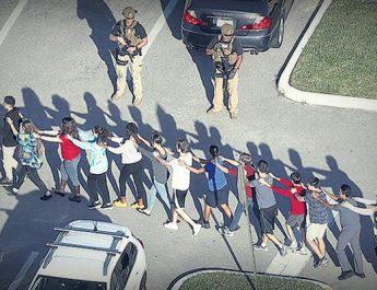 Terror en una escuela secundaria de Florida