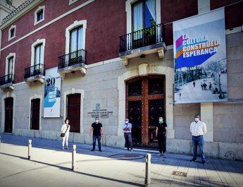 Homenatge als 20 anys de la Casa de Cultura de Gandia amb la penjada d'una pancarta commmorativa i rivindicativa de la Cultura