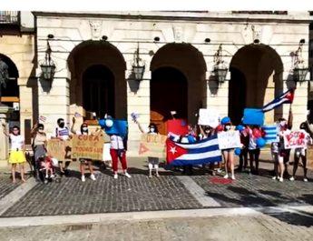 Los cubanos en Gandia se manifestaron (como corresponde)